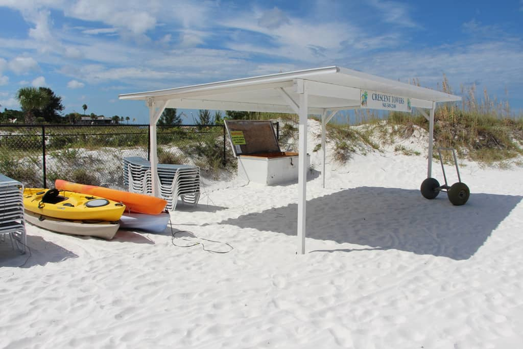 Crescent Towers Condos in Siesta Key, FL. - Beaches