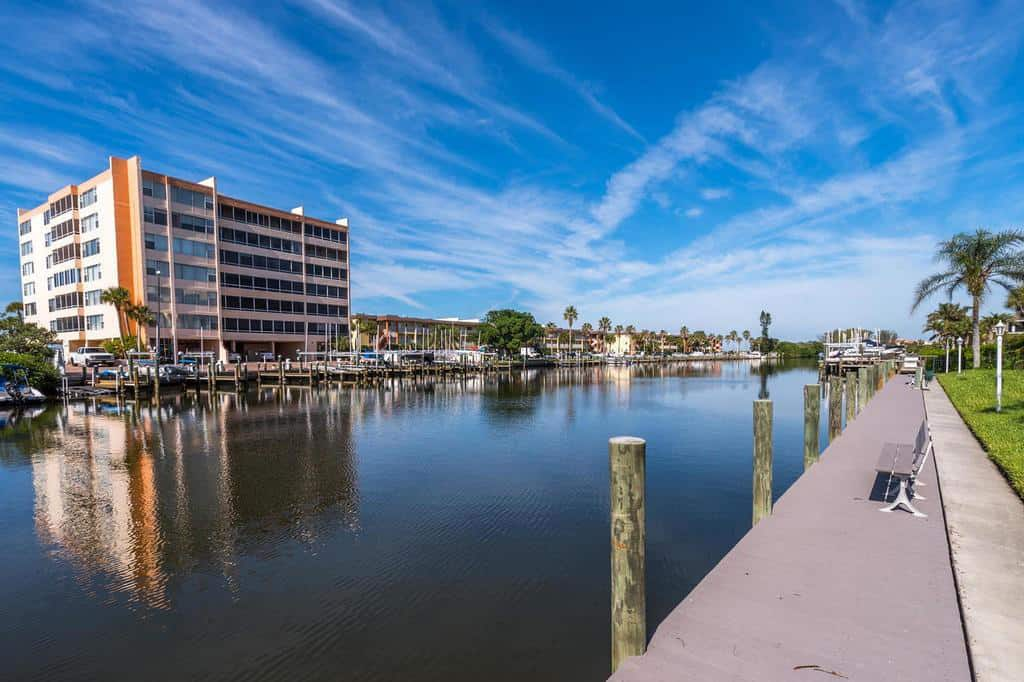 Inlet Condos in Siesta Key - Sarasota FL. - Day Docks