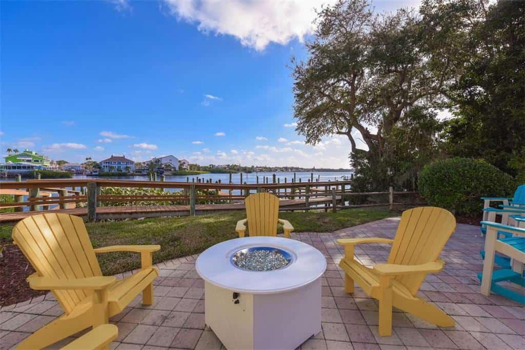 Marina Del Sol Condos in Siesta Key, FL. - Fire Pit